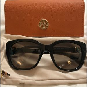 Tory Burch Accessories - TORY BURCH sunglasses 🕶 BNIB